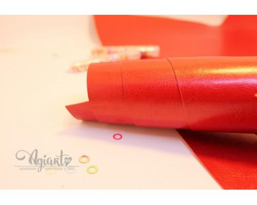 Кожзам, красный глянцевый 50*35 см. Италия