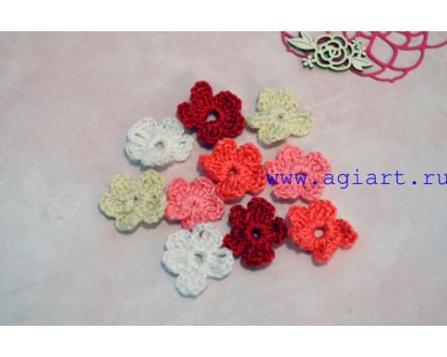 Вязаный набор маленьких цветочков «Красное ассорти» Scrap Knit