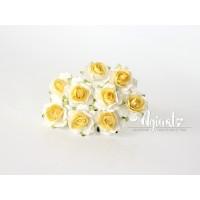 Кудрявые розы 2 см - Белые+св.желтая середина, 5 шт